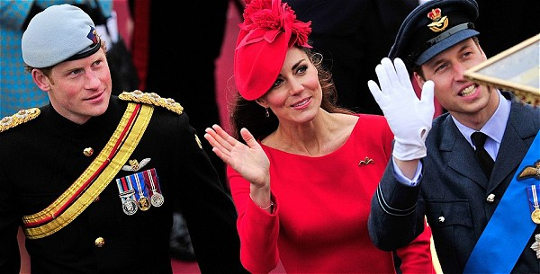 Kate Middleton: The Lady in Red – كيت ميدلتون: أحمر على أحمر